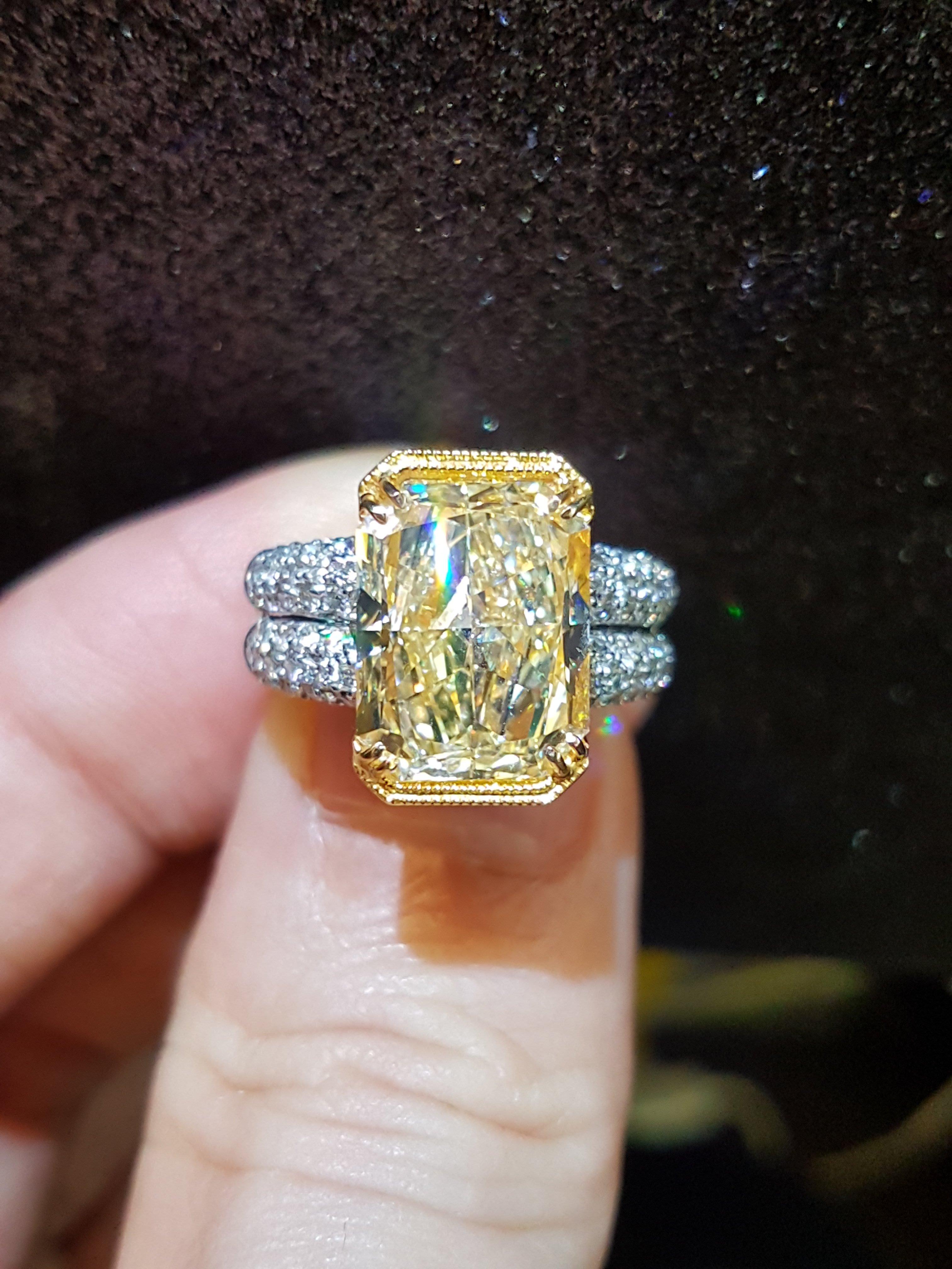 7克拉收藏品 正彩黃鑽石Fancy Light Yellow 香港精鑲18k天然配鑽