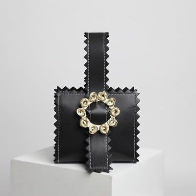 手提 包 真皮 晚宴包-時尚金屬花朵鋸齒邊女包包4色73tn21[獨家進口][米蘭精品]