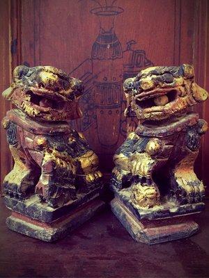 早期 朱漆鎏金 紅黑金 木雕獅(已讓藏)