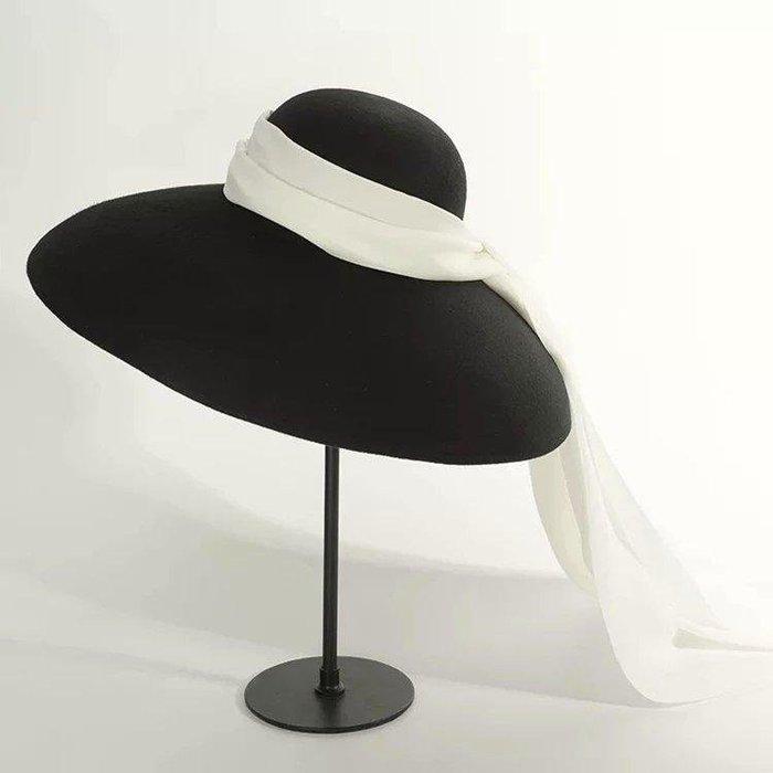 第凡內早餐 奧黛麗赫本風 羊毛呢黑白撞色長飄帶絲巾毛呢帽