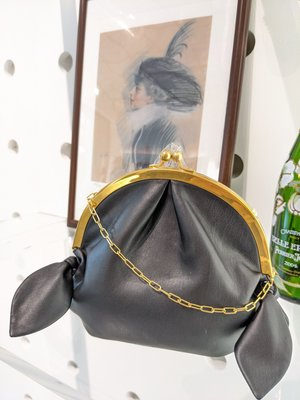 [RainDaniel] NANUSHKA 匈牙利小眾品牌 Oana bag 結飾黑皮革 復古口金鏈包