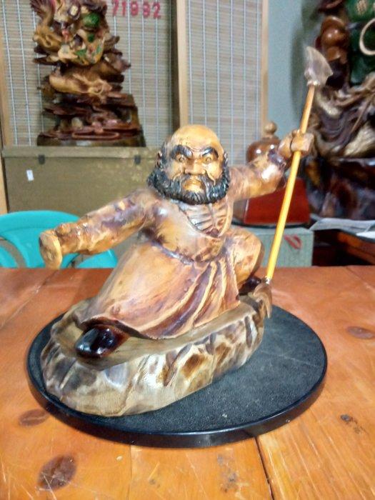 武達摩序類之耍弄月牙鏟 香樟木雕刻 作者:柯金仲