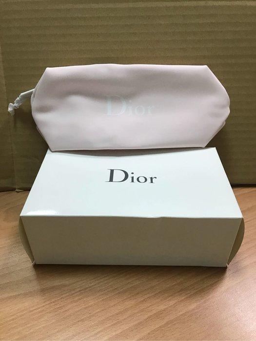 全新現貨Dior 迪奧 粉嫩經典LOGO化妝包  尺寸:約 17* 7* 9 cm。