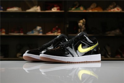Air Jordan 1 Low 黑金 百搭 亮皮 低筒 休閒滑板鞋 男鞋 554723-032