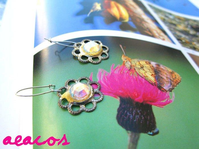 AEACOS@古董 古著 vintage retro MODs 透明切割石 線條勾勒銀花朵 針式耳環