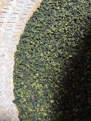 【茶院子】茶農自產自銷【杉林溪烏龍--中焙火】
