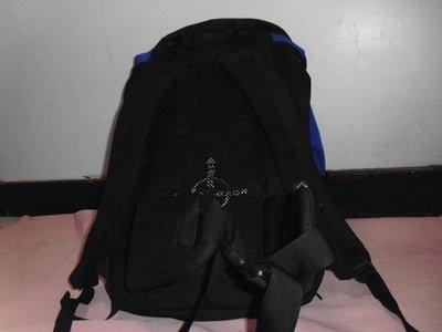 """--法國戶外活動用品專櫃""""lafuma""""機能性後背包---多口袋設計,很適合短程登山活動~"""