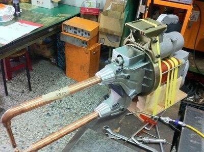 {中古焊接設備維修買賣出租}點焊機~懸吊式大型點焊機~配備齊全~外銷機種