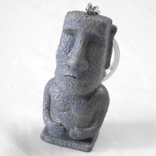 (I LOVE樂多)少見商品-智利復活島迷你Moai造型經典抱胸鑰匙圈 摩艾 送人自用兩相宜