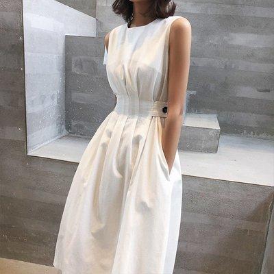 ■ C select shop ■ 心機設計款 背心裙 連身裙 收腰顯瘦 黑白色 洋裝 度假風 簡約時尚 UU4164
