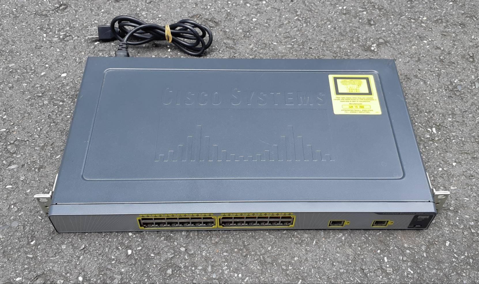 二手~CISCO CATALYST EXPRESS 中小企業交換器(機) 網路集線器 交換器~~功能正常