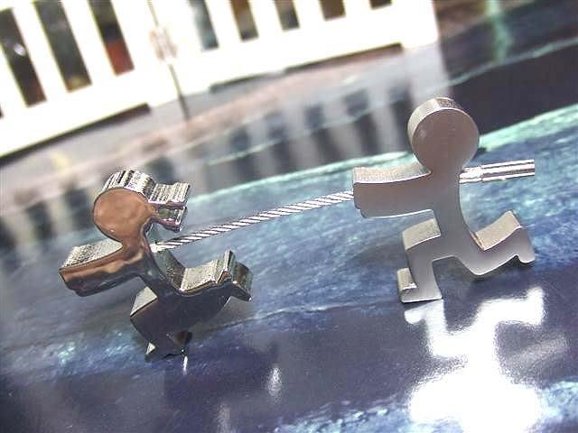☆創意小物店☆情侶鑰匙扣(男追女) 鑰匙圈/創意可愛金屬鑰匙圈 時尚造型個性飾品