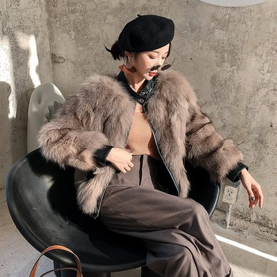 'OVERCOAT'海寧2019冬新款韓版狐貍毛皮草外套女短款時尚真皮毛一體大衣修身