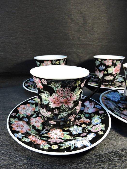 【三寶堂】 景德鎮 花茶杯 四組 10000元 盤  口徑 5 cm 高  2 cm  杯  口徑 8 cm
