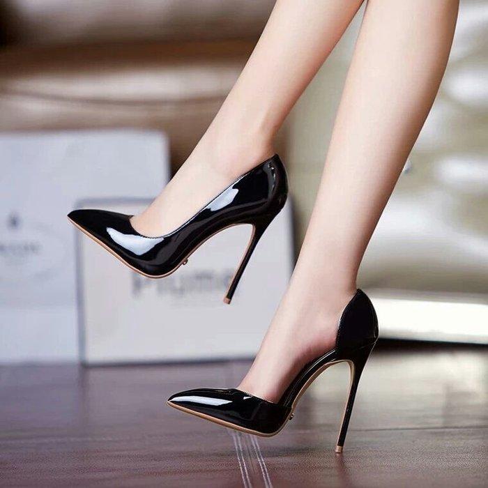大碼 尖頭高跟 裸色側空尖頭 細跟鞋漆皮12CM超高跟OL女鞋 貨號13841250