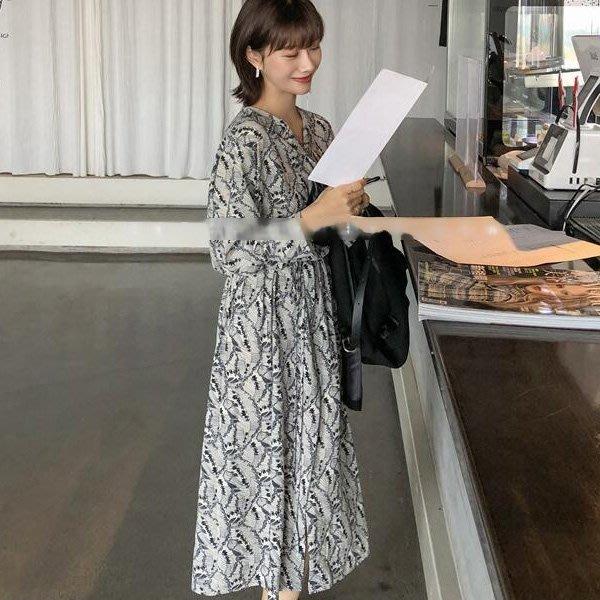 限時早鳥價到2/8調回原價 襯衫式碎花繫帶雪紡連身裙洋裝 艾爾莎【TAE8212】