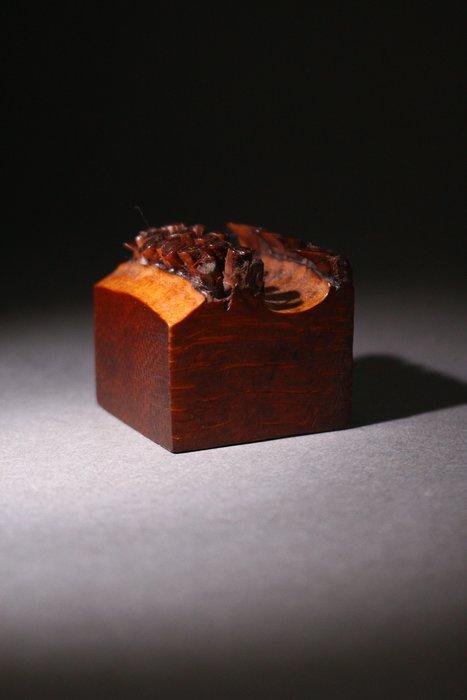 悅年堂 --- 竹根雕印 本週特惠 起標價1000元