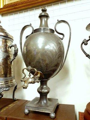 降價{ Ruminant 慕名古物 } 19世紀WWH&C°銀錫合金蕨葉大壺