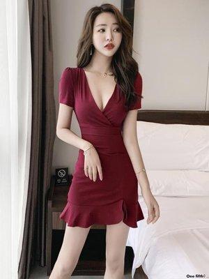 One fifth◊ .. 夜店款女裝V領低胸輕熟連身裙短款夏收腰修身款顯瘦漏胸包臀裙魚尾裙QC230