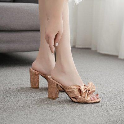 世界購 35-42大碼鞋  歐美 款粗跟蝴蝶結金色涼鞋  拖鞋  8.5CM魚嘴厚底高跟