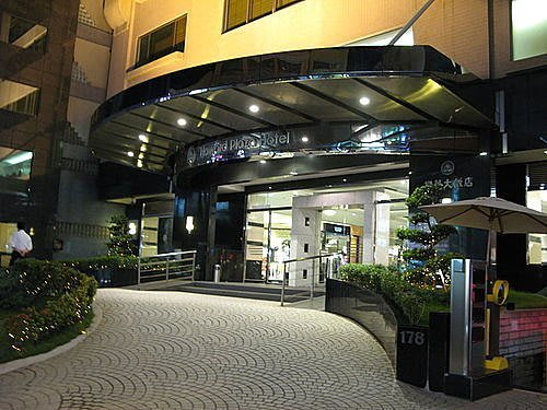 嵐姐小舖   新竹福華飯店 三人房3450/間含自助式早餐(假日不加價)