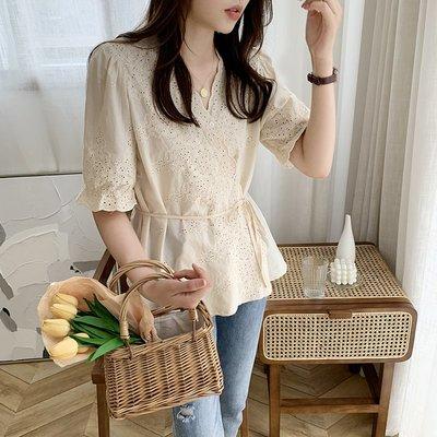 ❤公主的著衣❤韓國空運~甜美鏤空刺繡繫帶棉襯衫