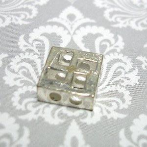 琥珀貓~【925純銀材料配件】造型方珠~N9847~卍~一個