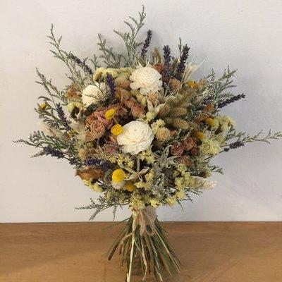 D36。黃白色系乾燥花捧花。拍照捧花。客製新娘捧花。台北自取【Flower&House花藝之家】