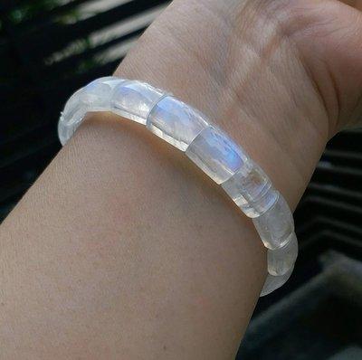 嗨,寶貝銀飾珠寶* 寶石飾品☆純天然月光石彩光寶石 彩光相當美 純白潔淨 簡約 罕見手排手環 手鍊