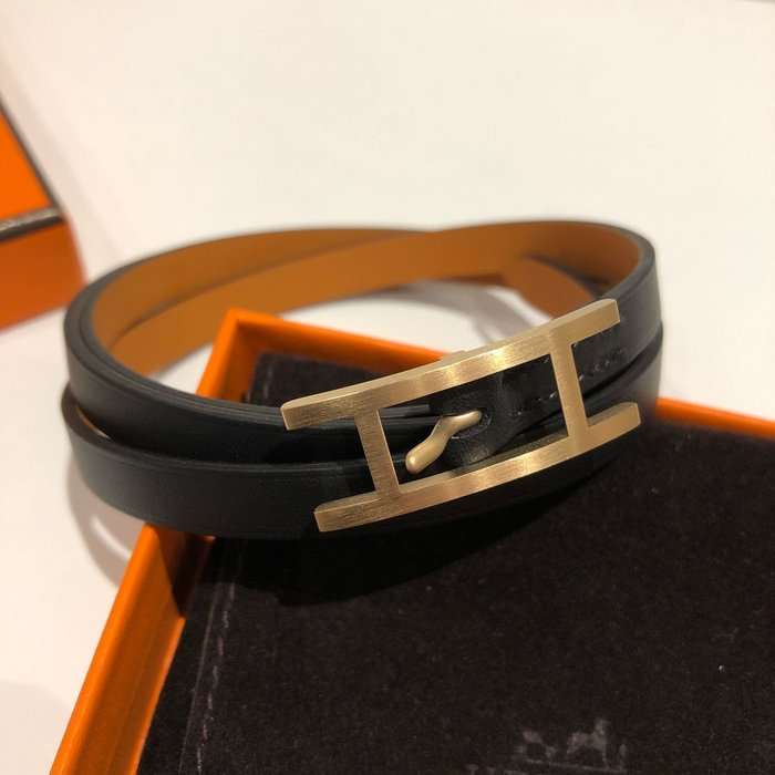 J-Shop Luxury 精品店 Hermes hapi 3 黑色真皮磨沙金釦 皮手環 M號