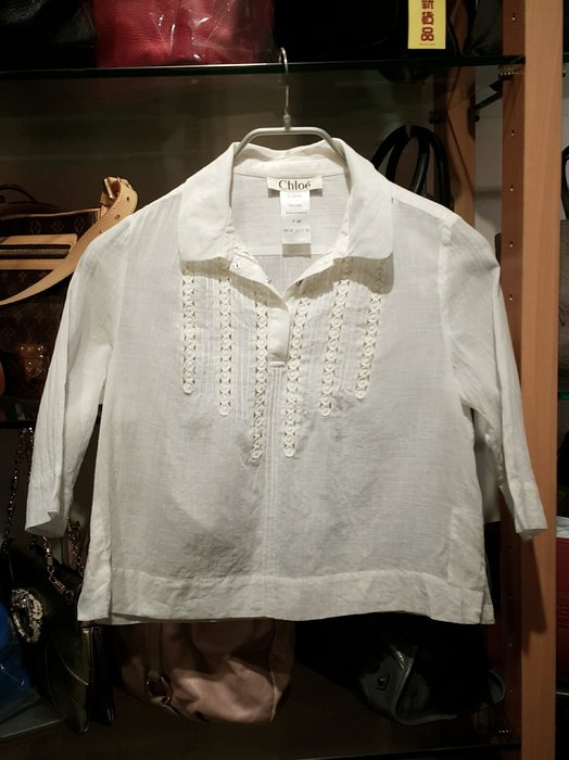*旺角名店* ㊣ 法國名牌精品 Chloe 白色寬版前釦棉麻感七分袖上衣