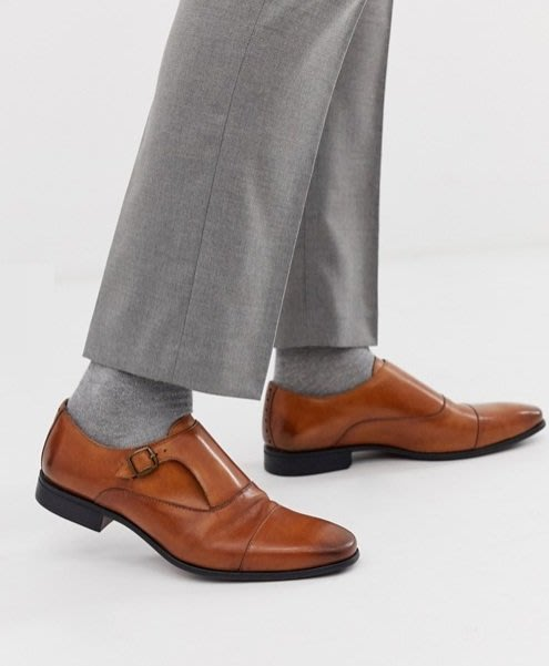 ◎美國代買◎ASOS鞋跟雕花裝飾搭配雙皮扣皮蓋裝飾鞋面英倫雅痞時尚和尚款雙皮扣咖啡色皮鞋~歐美街風~大尺碼