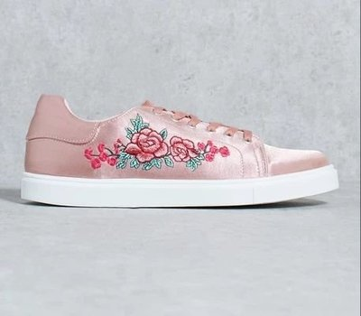 CAMILLA 粉紅 花 刺繡 鞋 花卉 緞 花邊 Pink Shoe Embroidery Trainers Lace Up