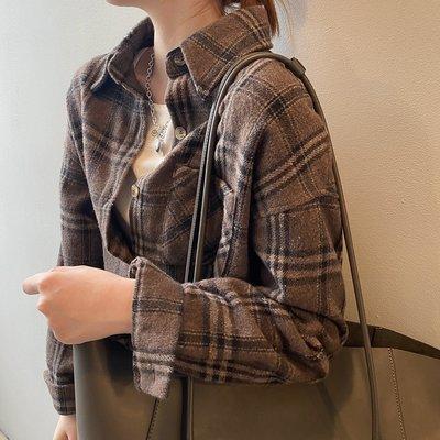 復古舒適好穿搭可當小外套 磨毛寬鬆格紋落肩長袖襯衫 艾爾莎【TAE8539】