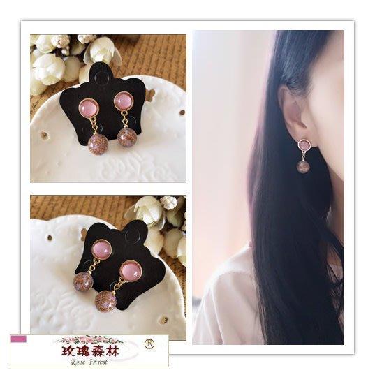 玫瑰森林-- ☆°* 美麗嚴選~浪漫紫色貓眼石+金色流沙紫色圓珠 耳針式耳環