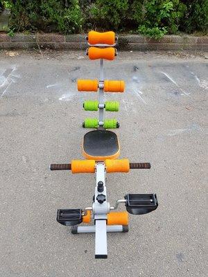 彰化二手貨中心(原線東路二手貨)--- 健身最佳選擇 加強版速立挺健腹機 腳踏車機二用型設計