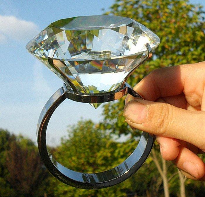 Misa Shop~閃亮亮大鑽戒 拍婚紗拍攝道具 婚禮小物佈置 鑽石求婚影片克拉 情人節禮物 TB-052