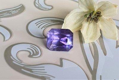 揚邵一品(附國際證)1.00克拉紫羅蘭藍寶石 無燒天然~色彩濃郁 葡萄般俏皮的紫色剛玉 可口誘人 紫色藍寶石