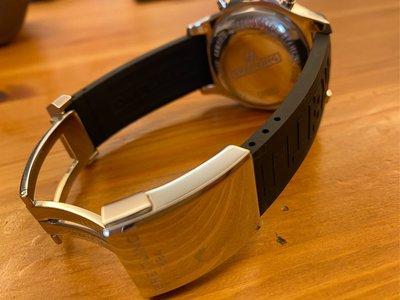 BREITLING  百年靈 A1338811 Colt 自動手錶,43mm原廠高質感按壓式錶扣,價值12000.全新錶帶. 9.9成新,2019年