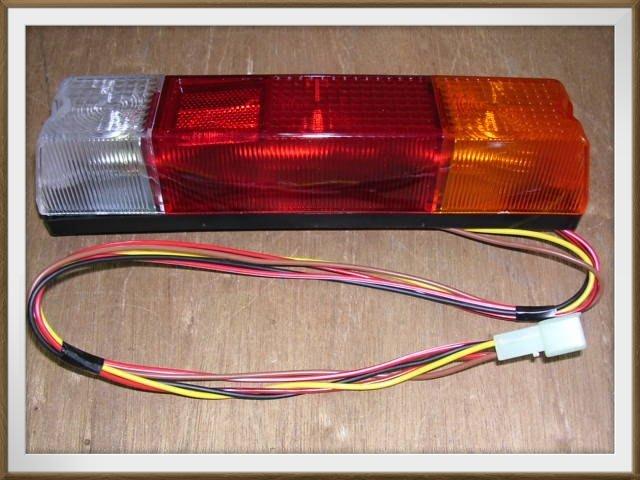 【帝益汽材】TOYOTA 楊鐵 5F K7 / K8 堆高機 後燈 尾燈《另有賣方向燈、角燈》