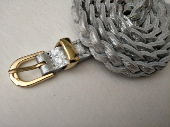 新品上市   歐款 金/銀兩色  真皮細版 編織皮帶  金.銀各一條