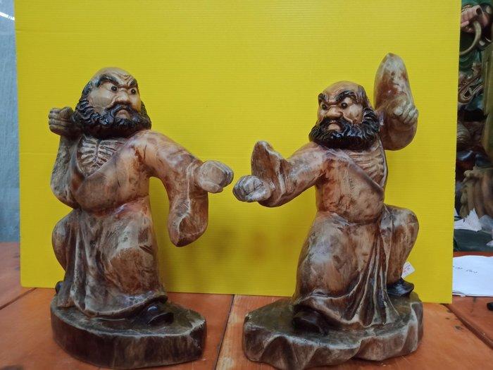 武達摩一組 香樟木雕刻 作者:柯金仲