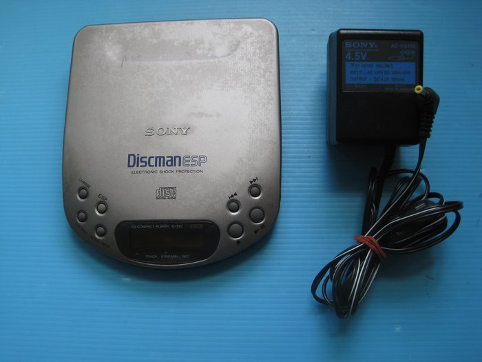 日製 SONY D-330 Discman ESP附電源 稀有機種.金屬上壳 . 功能正常,  發燒之友請不要錯過……