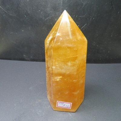 【競標網】天然3A酒黃冰洲水晶柱(K66)778克(網路特價品、原價1000元)限量一件