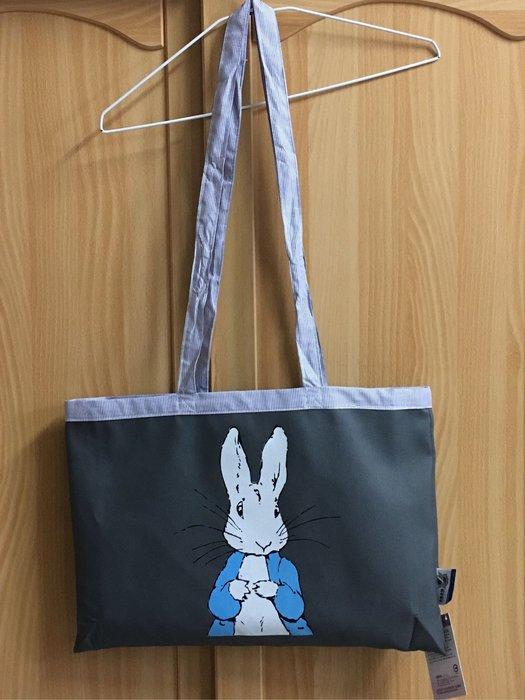 。☆全新☆。彼得兔收納袋背袋//45cm*30cm//背帶總長92cm