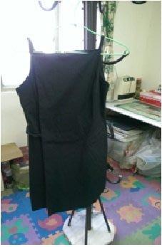 黑色2片式一字領細肩帶背心裙,右邊有魔鬼沾左邊前面有拉鏈口袋,非常別緻的衣服(C11) 新竹縣