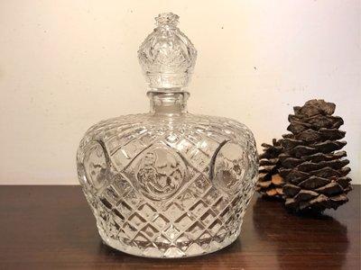 老玻璃:罕見洋風台味嵾藥酒刻花瓶(有人蔘花紋)