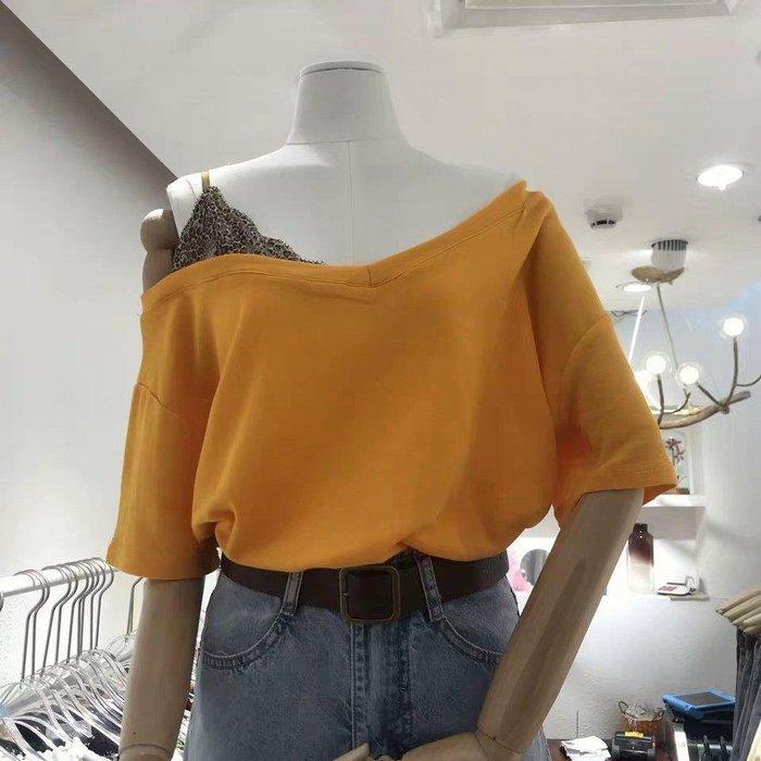 【促銷】2019夏新款豹纹边V领假两件漏肩宽松短袖T恤衫女上衣