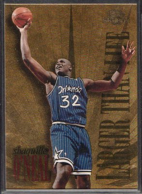 95-96 SKYBOX PREMIUM LARGER THAN LIFE #L7 SHAQUILLE O'NEAL
