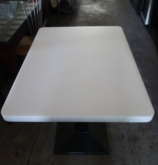 大高雄二手貨中心(全台買賣)---餐桌  2人座餐桌  用餐桌  洽談桌  咖啡桌  物況好   別錯過
